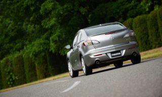 Motor vehicle, Mode of transport, Automotive design, Road, Vehicle, Photograph, Road surface, Car, Asphalt, Automotive mirror,