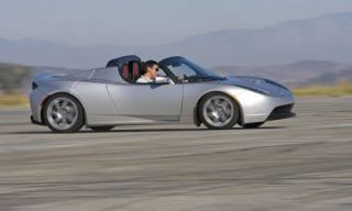 Tire, Wheel, Mode of transport, Automotive design, Automotive tire, Vehicle, Transport, Alloy wheel, Automotive wheel system, Rim,