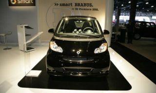 Motor vehicle, Mode of transport, Automotive design, Product, Transport, Automotive exterior, Property, Glass, Automotive lighting, Automotive mirror,