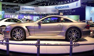 Tire, Wheel, Automotive design, Vehicle, Alloy wheel, Event, Land vehicle, Rim, Spoke, Car,