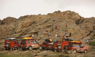 Motor vehicle, Mode of transport, Land vehicle, Transport, Vehicle, Mountainous landforms, Automotive exterior, Landscape, Hill, Emergency service,