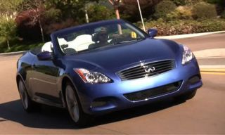 Motor vehicle, Automotive mirror, Mode of transport, Nature, Automotive design, Blue, Daytime, Vehicle, Transport, Road,