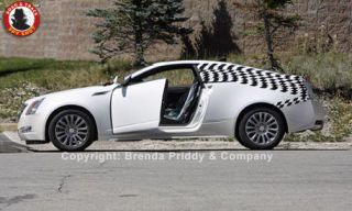 Tire, Wheel, Motor vehicle, Mode of transport, Automotive design, Alloy wheel, Automotive tire, Vehicle, Rim, Land vehicle,