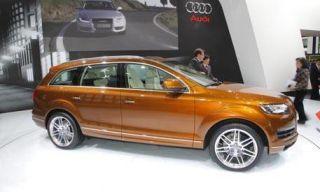 Motor vehicle, Tire, Wheel, Mode of transport, Automotive design, Product, Vehicle, Land vehicle, Alloy wheel, Automotive tire,