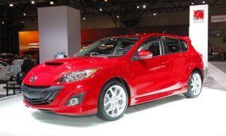 Motor vehicle, Tire, Wheel, Mode of transport, Automotive design, Vehicle, Land vehicle, Transport, Automotive mirror, Car,