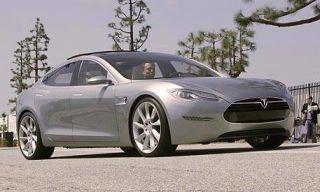 Tire, Motor vehicle, Wheel, Mode of transport, Automotive design, Transport, Vehicle, Land vehicle, Alloy wheel, Rim,