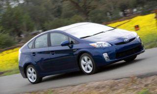 Tire, Wheel, Motor vehicle, Mode of transport, Automotive mirror, Automotive design, Vehicle, Transport, Yellow, Land vehicle,
