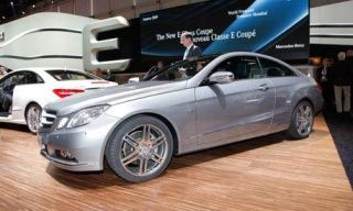 Tire, Wheel, Motor vehicle, Mode of transport, Automotive design, Vehicle, Land vehicle, Transport, Car, Alloy wheel,