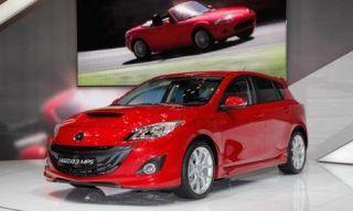 Tire, Wheel, Motor vehicle, Mode of transport, Automotive mirror, Automotive design, Transport, Vehicle, Land vehicle, Car,