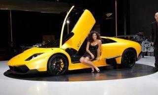 Motor vehicle, Mode of transport, Automotive design, Product, Yellow, Transport, Vehicle, Land vehicle, Vehicle door, Photograph,