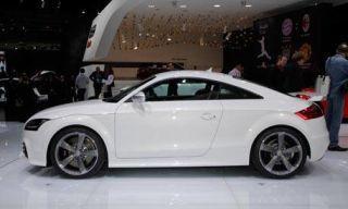 Tire, Wheel, Automotive design, Vehicle, Land vehicle, Photograph, Rim, Alloy wheel, Car, White,