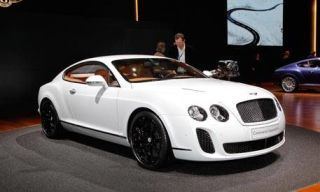 Motor vehicle, Tire, Wheel, Mode of transport, Automotive design, Vehicle, Product, Land vehicle, Transport, Car,