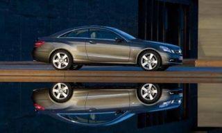 Tire, Wheel, Motor vehicle, Mode of transport, Automotive design, Alloy wheel, Vehicle, Transport, Spoke, Rim,