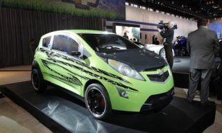 Motor vehicle, Tire, Wheel, Mode of transport, Automotive design, Vehicle, Automotive mirror, Land vehicle, Transport, Alloy wheel,
