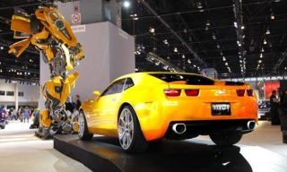 Motor vehicle, Tire, Wheel, Mode of transport, Automotive design, Automotive tire, Yellow, Transport, Vehicle, Automotive lighting,