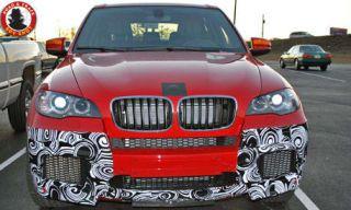 Motor vehicle, Mode of transport, Land vehicle, Vehicle, Automotive exterior, Hood, Automotive lighting, Automotive design, Car, Grille,