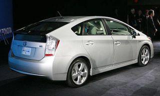 Wheel, Mode of transport, Vehicle, Automotive design, Transport, Car, Technology, Glass, Alloy wheel, Mid-size car,