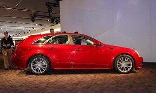Tire, Wheel, Motor vehicle, Automotive design, Mode of transport, Vehicle, Land vehicle, Car, Alloy wheel, Rim,