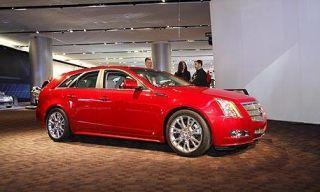 Tire, Wheel, Motor vehicle, Mode of transport, Automotive design, Vehicle, Land vehicle, Car, Alloy wheel, Rim,