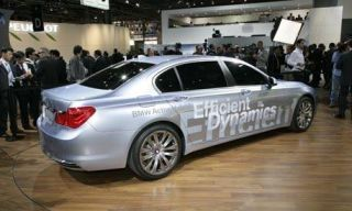 Wheel, Vehicle, Alloy wheel, Rim, Car, Full-size car, Spoke, Mid-size car, Personal luxury car, Executive car,