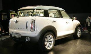Motor vehicle, Tire, Mode of transport, Automotive design, Product, Transport, Automotive exterior, Yellow, Vehicle, Automotive tire,
