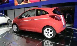 Wheel, Tire, Motor vehicle, Mode of transport, Automotive mirror, Automotive design, Alloy wheel, Vehicle, Automotive tire, Automotive wheel system,