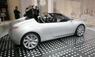 Tire, Wheel, Mode of transport, Automotive design, Vehicle, Land vehicle, Alloy wheel, Car, Rim, Photograph,