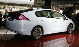 Motor vehicle, Mode of transport, Automotive design, Automotive mirror, Product, Vehicle, Transport, Land vehicle, Car, Alloy wheel,