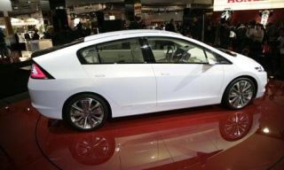 Motor vehicle, Mode of transport, Automotive design, Transport, Vehicle, Land vehicle, Car, Alloy wheel, Automotive wheel system, Automotive mirror,