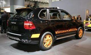 Motor vehicle, Tire, Wheel, Automotive design, Mode of transport, Automotive tire, Vehicle, Product, Transport, Rim,