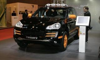 Motor vehicle, Tire, Mode of transport, Automotive design, Vehicle, Land vehicle, Transport, Car, Headlamp, Vehicle registration plate,