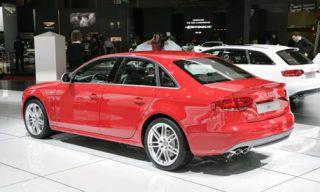Tire, Wheel, Mode of transport, Automotive design, Alloy wheel, Vehicle, Land vehicle, Spoke, Rim, Automotive tire,
