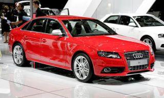 Tire, Motor vehicle, Wheel, Mode of transport, Automotive design, Vehicle, Land vehicle, Event, Automotive mirror, Alloy wheel,