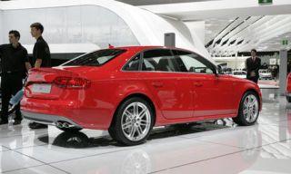 Tire, Wheel, Automotive design, Product, Vehicle, Alloy wheel, Automotive tire, Land vehicle, Rim, Automotive wheel system,