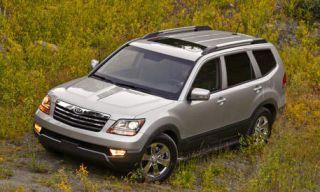 Tire, Wheel, Automotive tire, Vehicle, Automotive design, Car, Rim, Grille, White, Spoke,