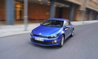 Automotive design, Automotive mirror, Blue, Vehicle, Automotive lighting, Transport, Headlamp, Hood, Car, Automotive parking light,