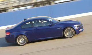 Wheel, Tire, Mode of transport, Automotive design, Vehicle, Rim, Automotive tire, Car, Alloy wheel, Automotive wheel system,