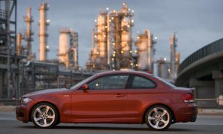 Tire, Wheel, Mode of transport, Automotive design, Alloy wheel, Vehicle, Rim, Infrastructure, Automotive mirror, Car,