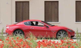 Tire, Wheel, Vehicle, Alloy wheel, Property, Car, Red, Rim, Performance car, Door,