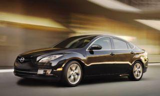 Motor vehicle, Tire, Mode of transport, Automotive design, Vehicle, Rim, Automotive tire, Car, Automotive mirror, Alloy wheel,