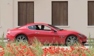 Tire, Wheel, Vehicle, Alloy wheel, Car, Automotive design, Property, Rim, Red, Performance car,