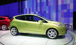 Tire, Wheel, Motor vehicle, Mode of transport, Automotive design, Automotive mirror, Vehicle, Yellow, Land vehicle, Car,
