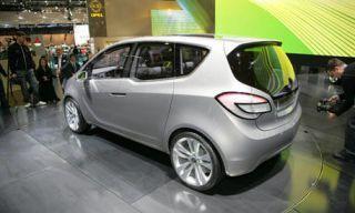 Motor vehicle, Tire, Mode of transport, Automotive design, Automotive mirror, Automotive tire, Product, Vehicle, Land vehicle, Transport,