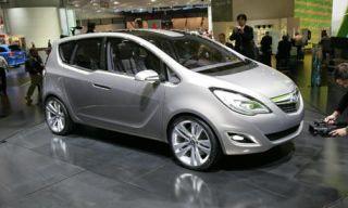 Motor vehicle, Tire, Wheel, Mode of transport, Automotive design, Vehicle, Land vehicle, Automotive mirror, Car, Transport,