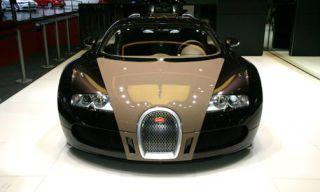 Mode of transport, Automotive design, Vehicle, Transport, Hood, Car, Headlamp, Photograph, Grille, Supercar,
