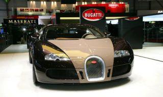 Motor vehicle, Mode of transport, Automotive design, Transport, Automotive mirror, Vehicle, Headlamp, Automotive lighting, Photograph, Car,