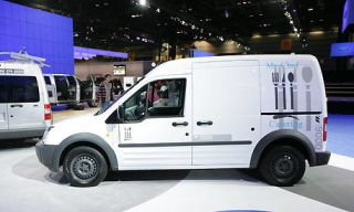 Motor vehicle, Wheel, Tire, Mode of transport, Automotive tire, Transport, Vehicle, Product, Land vehicle, Rim,