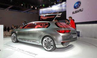 Mode of transport, Automotive design, Vehicle, Automotive tail & brake light, Automotive mirror, Transport, Car, Automotive exterior, Alloy wheel, Trunk,