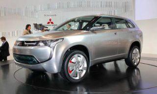 Tire, Motor vehicle, Wheel, Mode of transport, Automotive design, Product, Vehicle, Event, Land vehicle, Automotive tire,