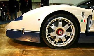 Tire, Wheel, Motor vehicle, Mode of transport, Automotive design, Vehicle, Alloy wheel, Transport, Automotive wheel system, Land vehicle,